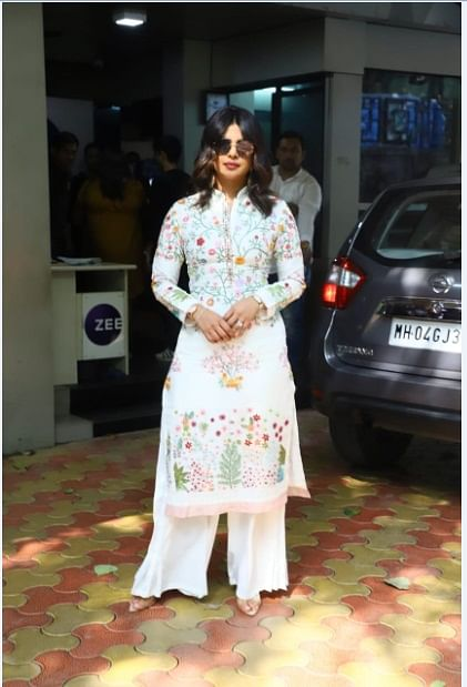 Priyanka Chopra stuns with her presence at Durga Puja celebrations in Mumbai