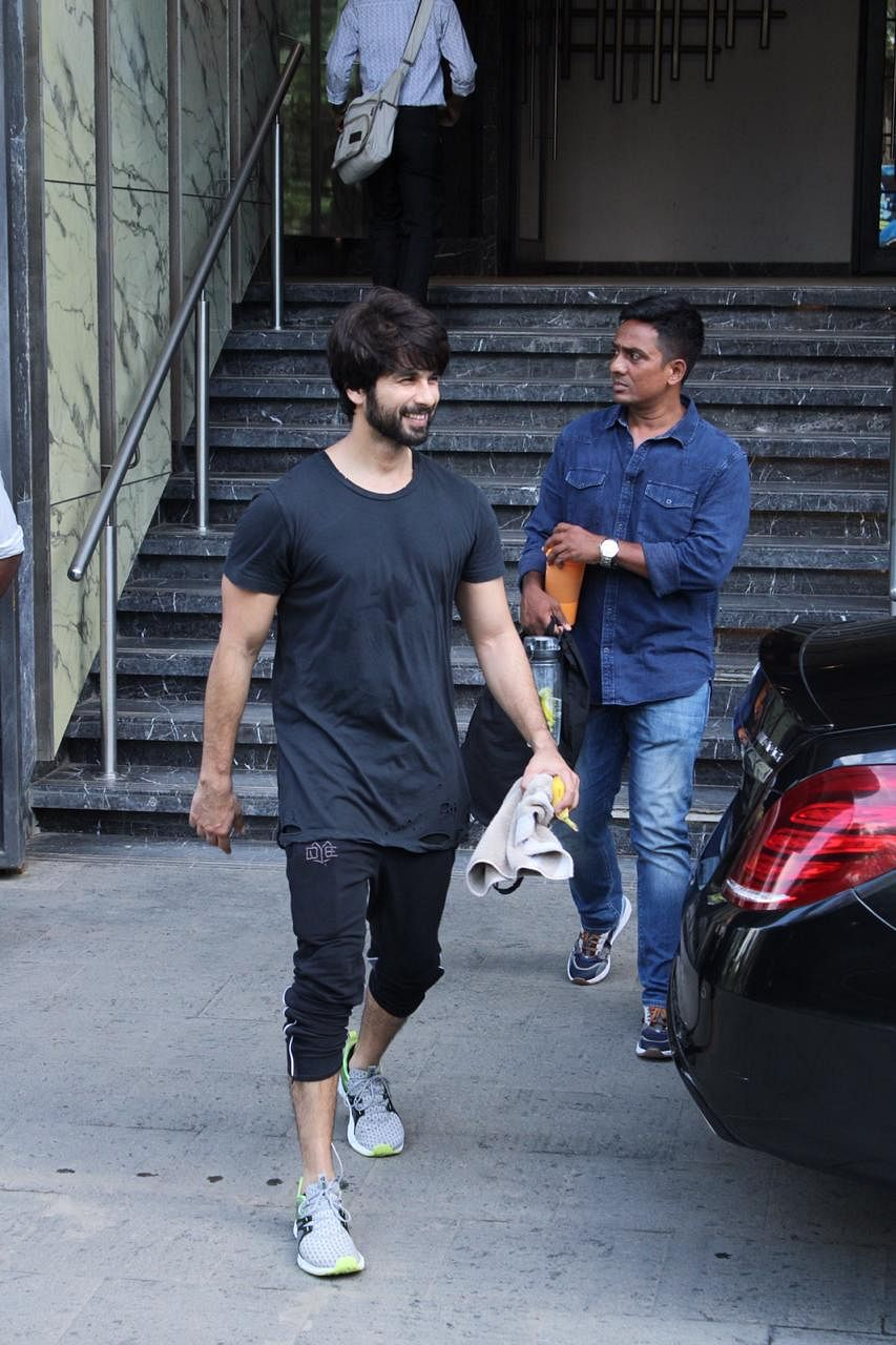 Shahid Kapoor Spotted at gym in Juhu