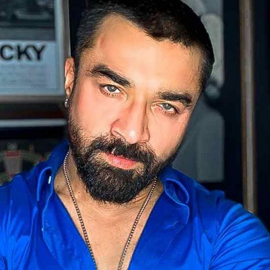 Maha Election 2019: Former Bigg Boss contestant Ajaz Khan turns melodramatic after embarrassing defeat to NOTA