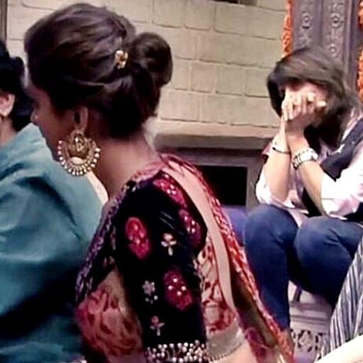 In love since 2013: Ranveer Singh checking out Deepika in old pic makes us believe in happy endings