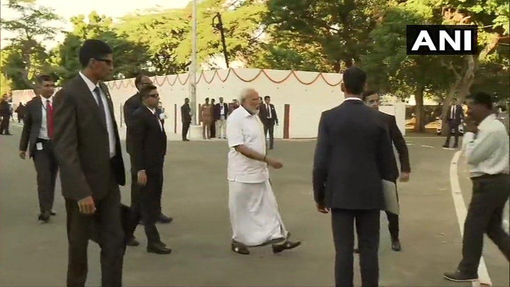 Modi in Tamil attire