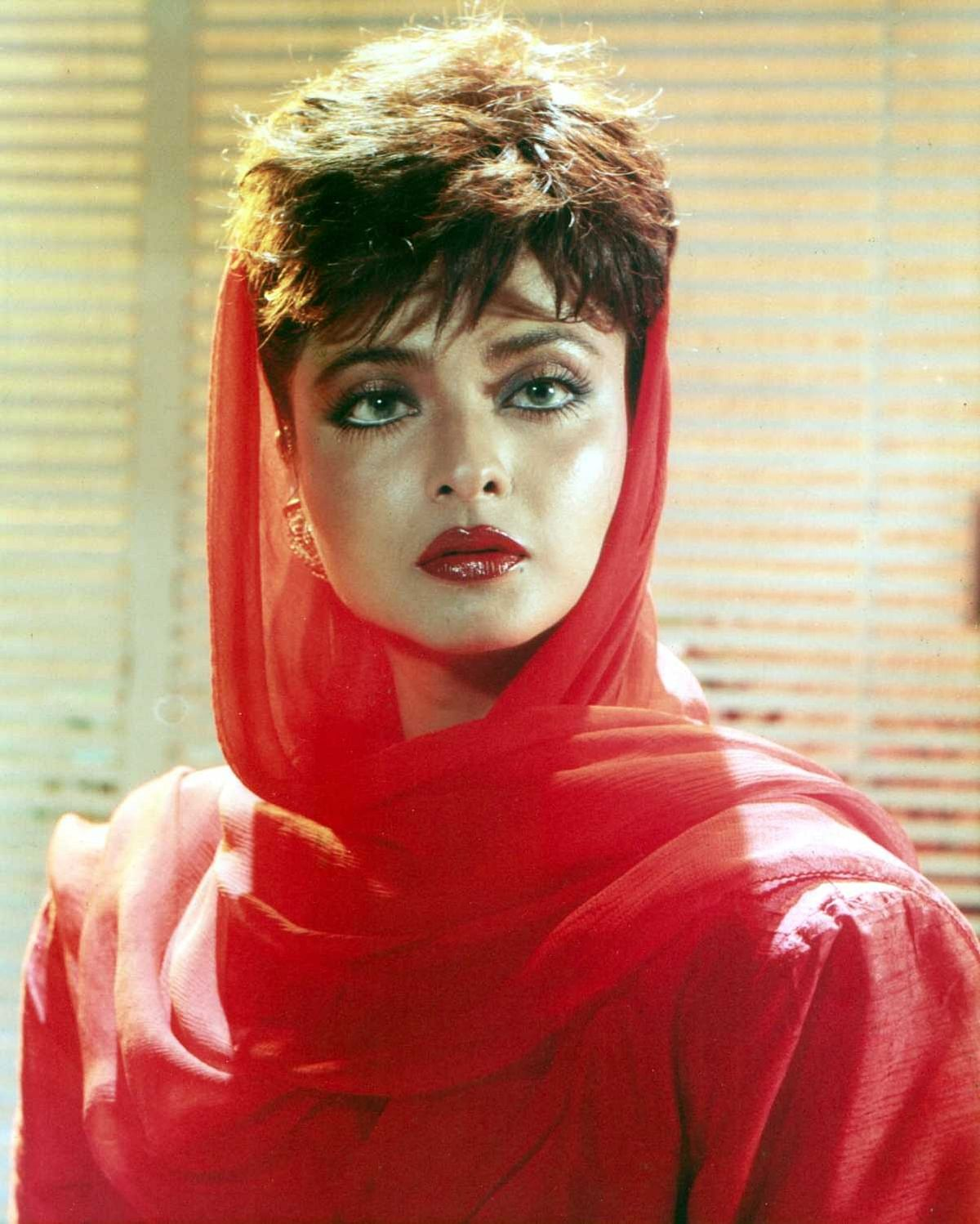 Rekha turns 65: Here's a look at some of her iconic films