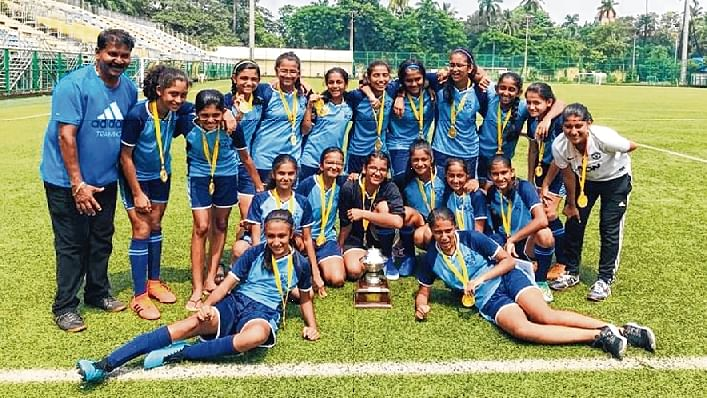 (Left) Scottish scorers: (From left to right) Sera Mathias, Aashvi Mehta and Shreya Ravuri scored a goal each Bombay Scottish, Mahimh. (Right) Champion team with their officials make a happy picture