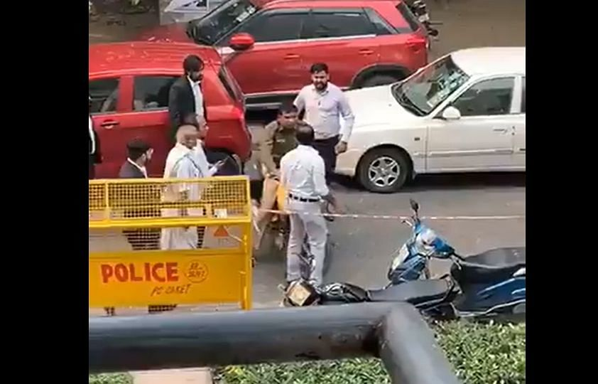 Watch: Shocking visuals of Delhi lawyer assaulting police officer goes viral
