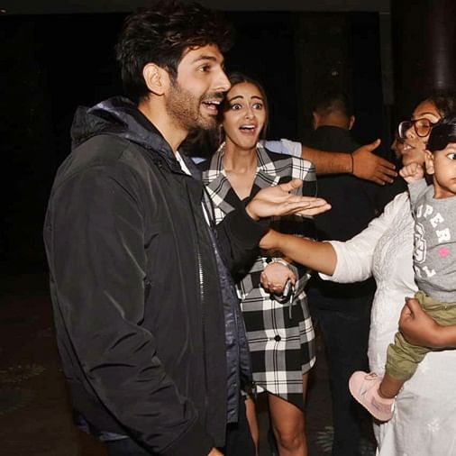 Sorry Kartik and Ananya, but this kid isn't really impressed with you!