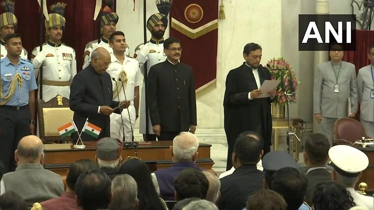 Justice Sharad Arvind Bobde takes oath as Chief Justice of India