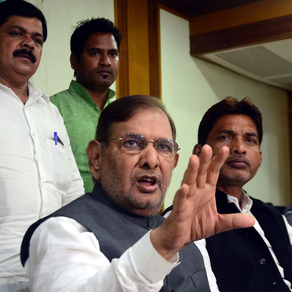 Bhopal: Sharad Yadav condemns removal of SPG cover of Gandhi family