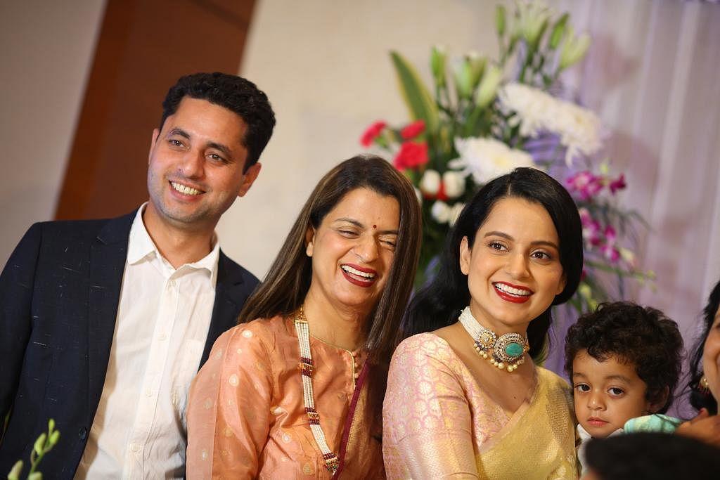 Kangana Ranaut, Rangoli Chandel with family