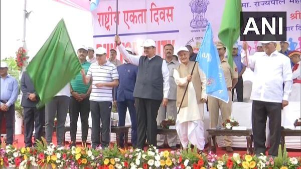 Maharashtra Governor Bhagat Singh Koshyari, CM Devendra Fadnavis flag off Run for Unity