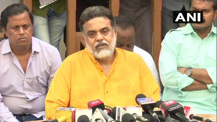 'Party committing mistake': Nirupam cautions Congress against joining hands with Shiv Sena in Maha