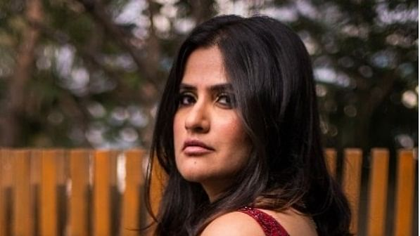 Sona Mohapatra slams Sonu Nigam for defending #MeeToo accused Anu Malik, suppressing 'evidence' video of a woman