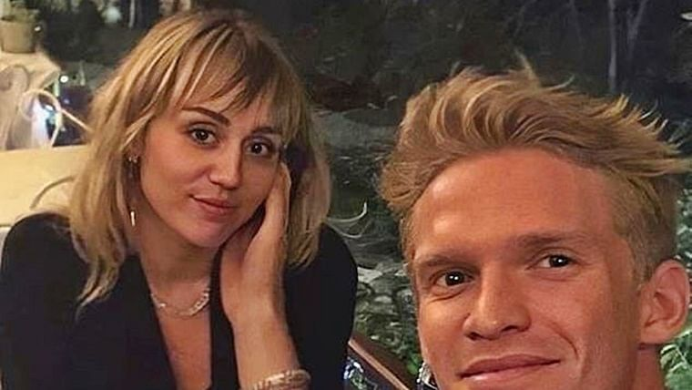 Miley Cyrus celebrates 27th birthday with boyfriend Cody Simpson in Nashville