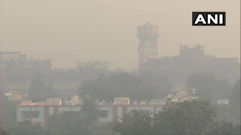 Very poor' air quality leaves Delhi gasping for breath, AQI likely to fall into 'Severe' category