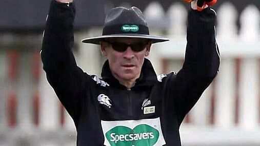 Umpire Garth Stirrat