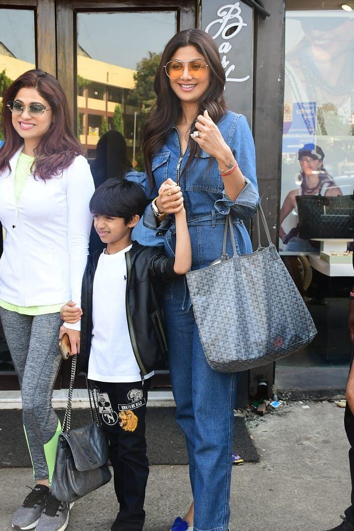 Shilpa with sister Shamita and son Viaan
