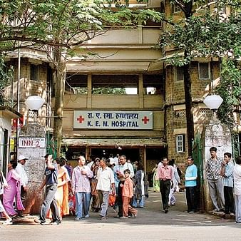 Babus to temporarily look after admin work at civic hospitals