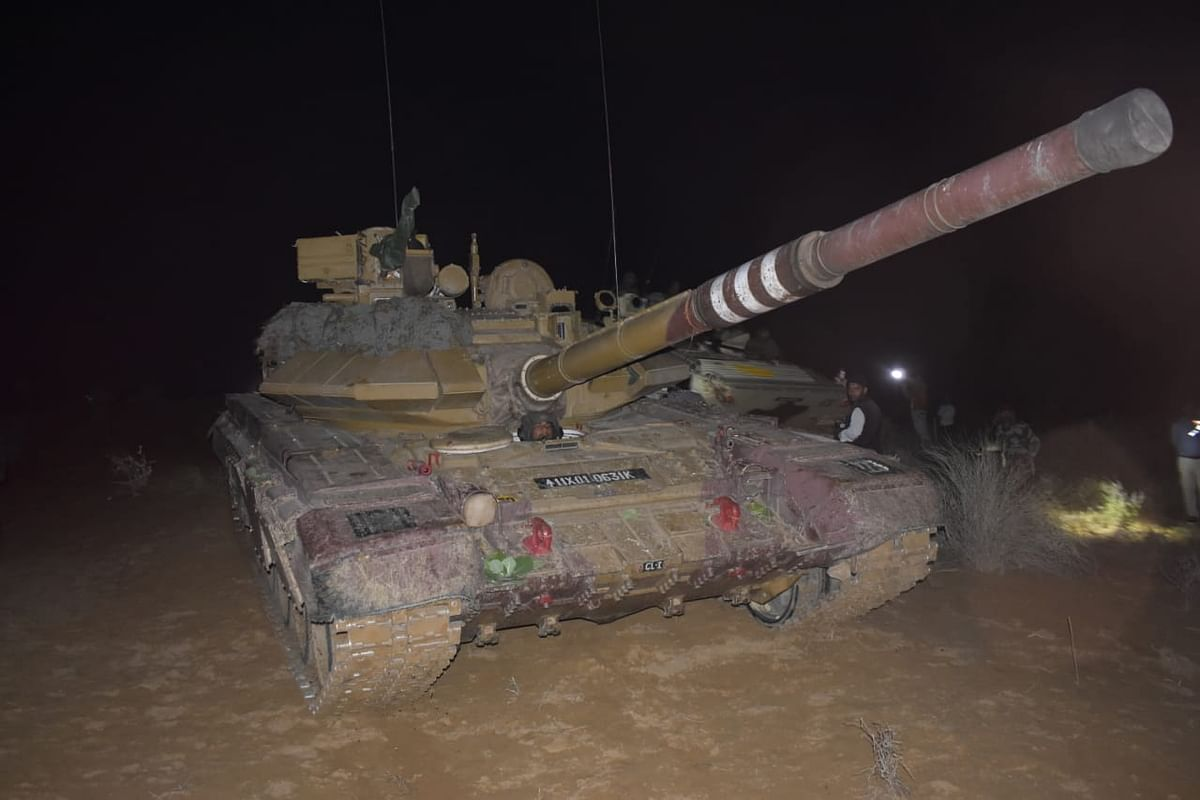 T -90 tank lined up for night assault on obstacle during Ex-Sindhu Sudarshan.