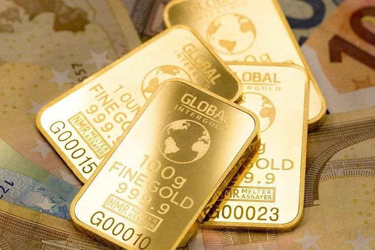 Gold prices rise to Rs 41,865 per 10 gms globally in closing trade