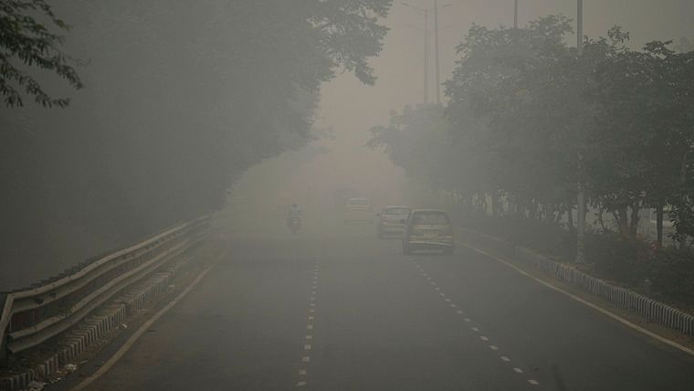 Pollution levels in Delhi shoot up, air quality 'severe plus' category at many places