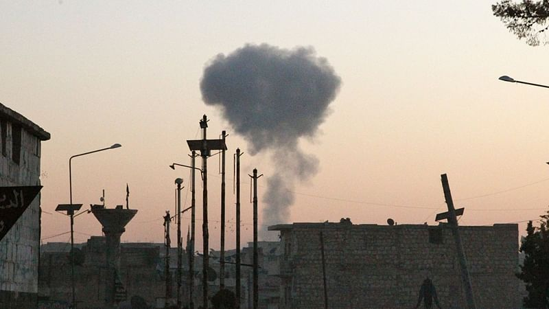 21 killed after Russia conducts air raids, regime strikes in Syria