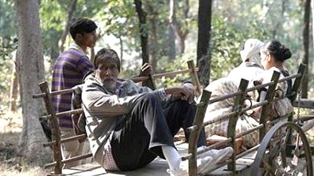 Hyderabad filmmaker Nandi Chinni Kumar files contempt petition case over Amitabh Bachchan's  'Jhund'