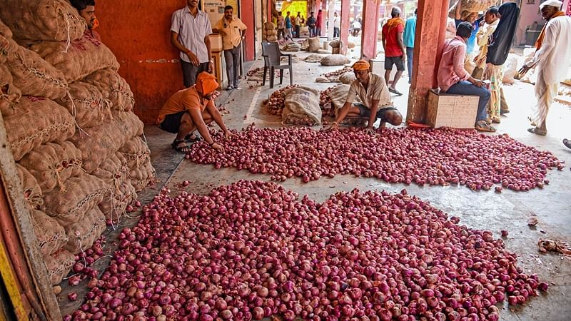 Maharashtra: I-T raids on 9 onion traders in Lasalgaon