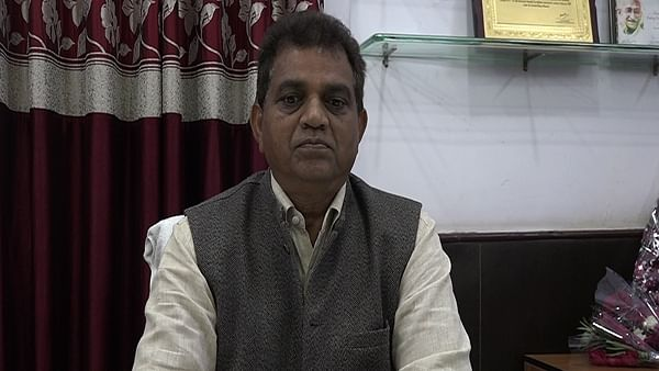 Bhopal: Rewa civic body commissioner attacks Chouhan over dumper scam