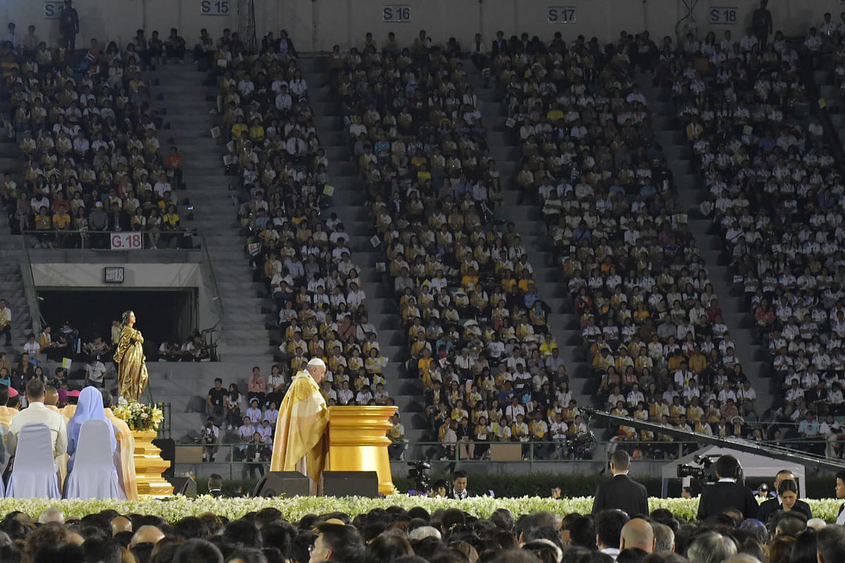 Pope Francis urges respect for prostitutes at crowded Bangkok Holy Mass