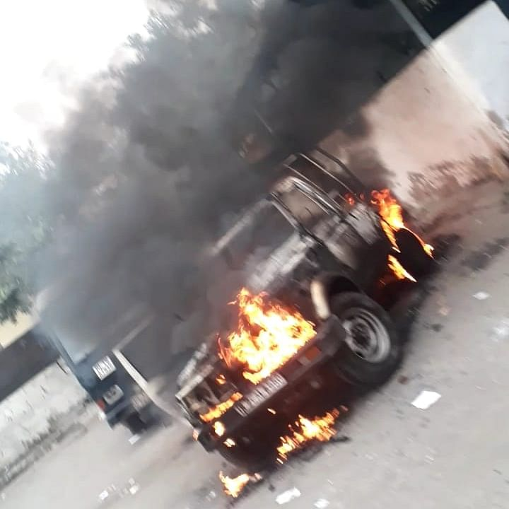 Clash between police personnel, advocates at Tis Hazari Court