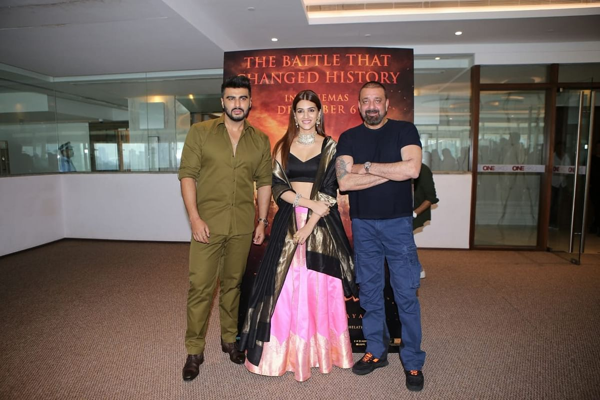 Arjun Kapoor, Sanjay Dutt and Kriti Sanon make for a happy bunch at 'Panipat' trailer preview