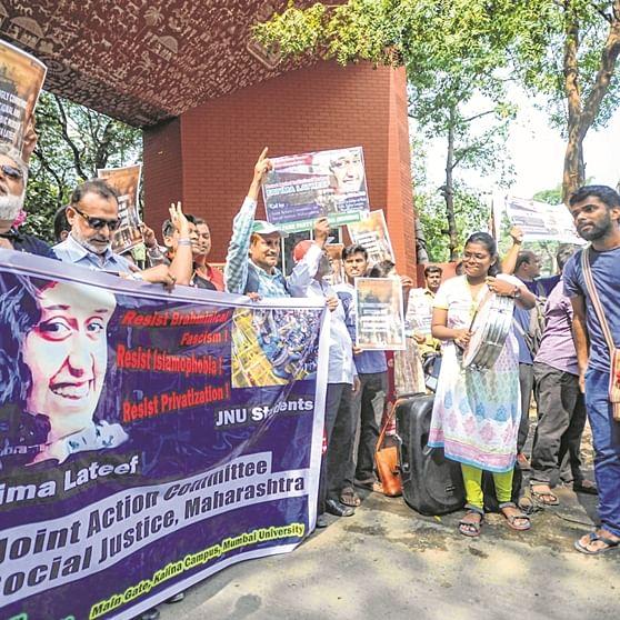 Mumbai: Students protest JNU fee hike