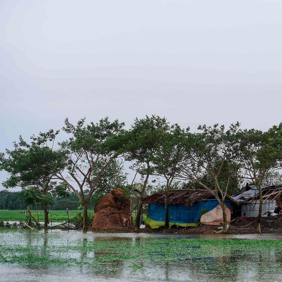 3 killed, over 21 lakh people evacuated as cyclone Bulbul hits Bangladesh
