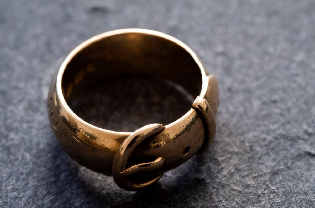 Oscar Wilde's stolen ring found by Dutch art detective