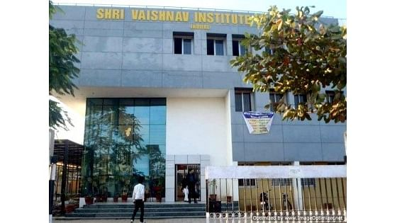 Indore: Vaishnav Law College students stage protest