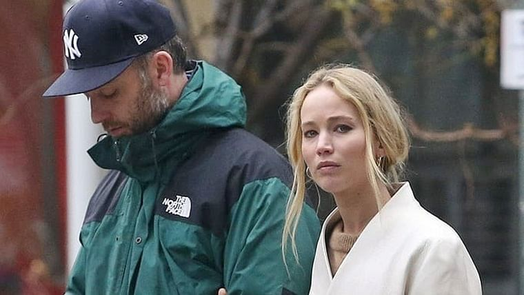 Newlyweds Jennifer Lawrence, Cooke Maroney step-out on one month anniversary