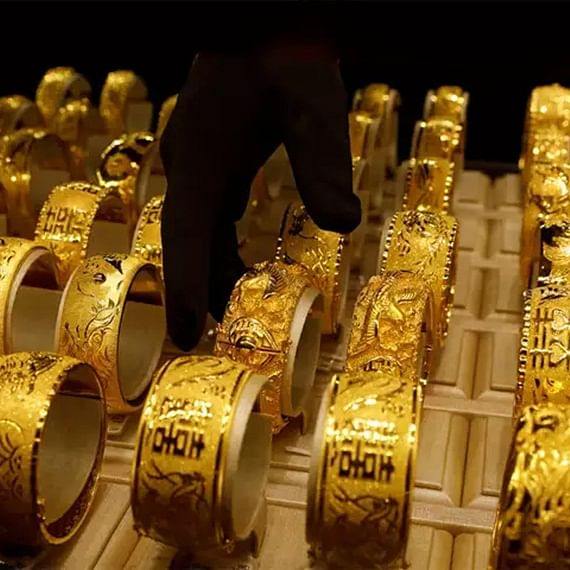 Gold Price Update on July 25: Yellow metal price continues to rise, hits record high of Rs 50,552 per 10 gram