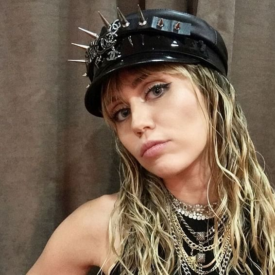 Miley Cyrus undergoes vocal cord surgery post tonsillitis treatment, opts for a break from singing