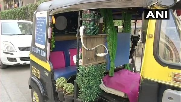 Travel goals: This auto-rickshaw is  equipped with a washbasin, charging points, and a desktop monitor!