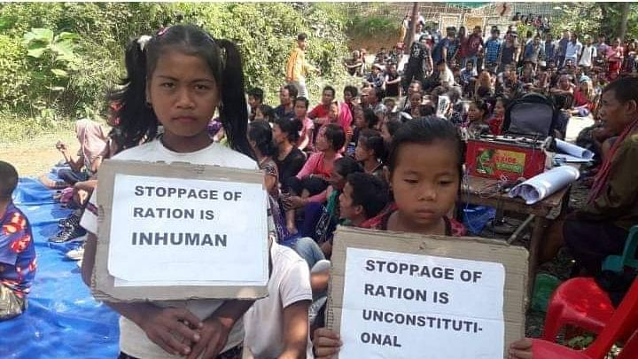 Refugee kids along with others stage blockade demanding resumption of free ration