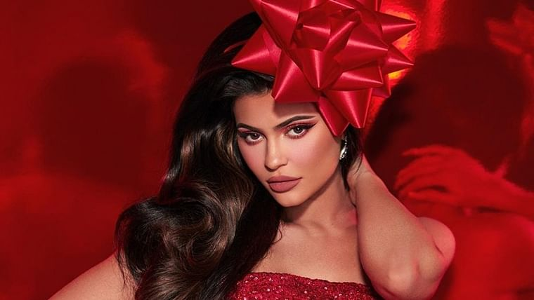 Kylie Jenner just got richer, lip kit mogul sells 51% stake to Coty for USD 600 million