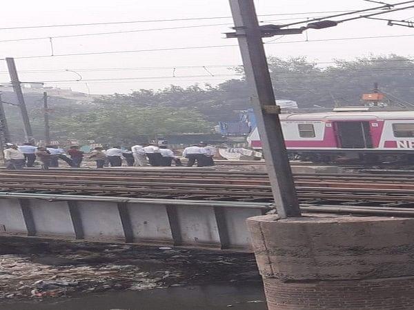 Train derailed near Hazrat Nizamuddin railway station