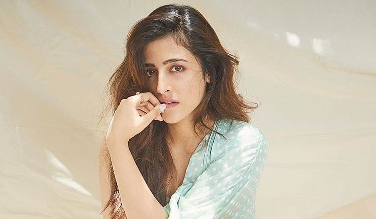 Nupur Sanon gives 'Veer-Zara' touch to her grocery shopping amid COVID-19