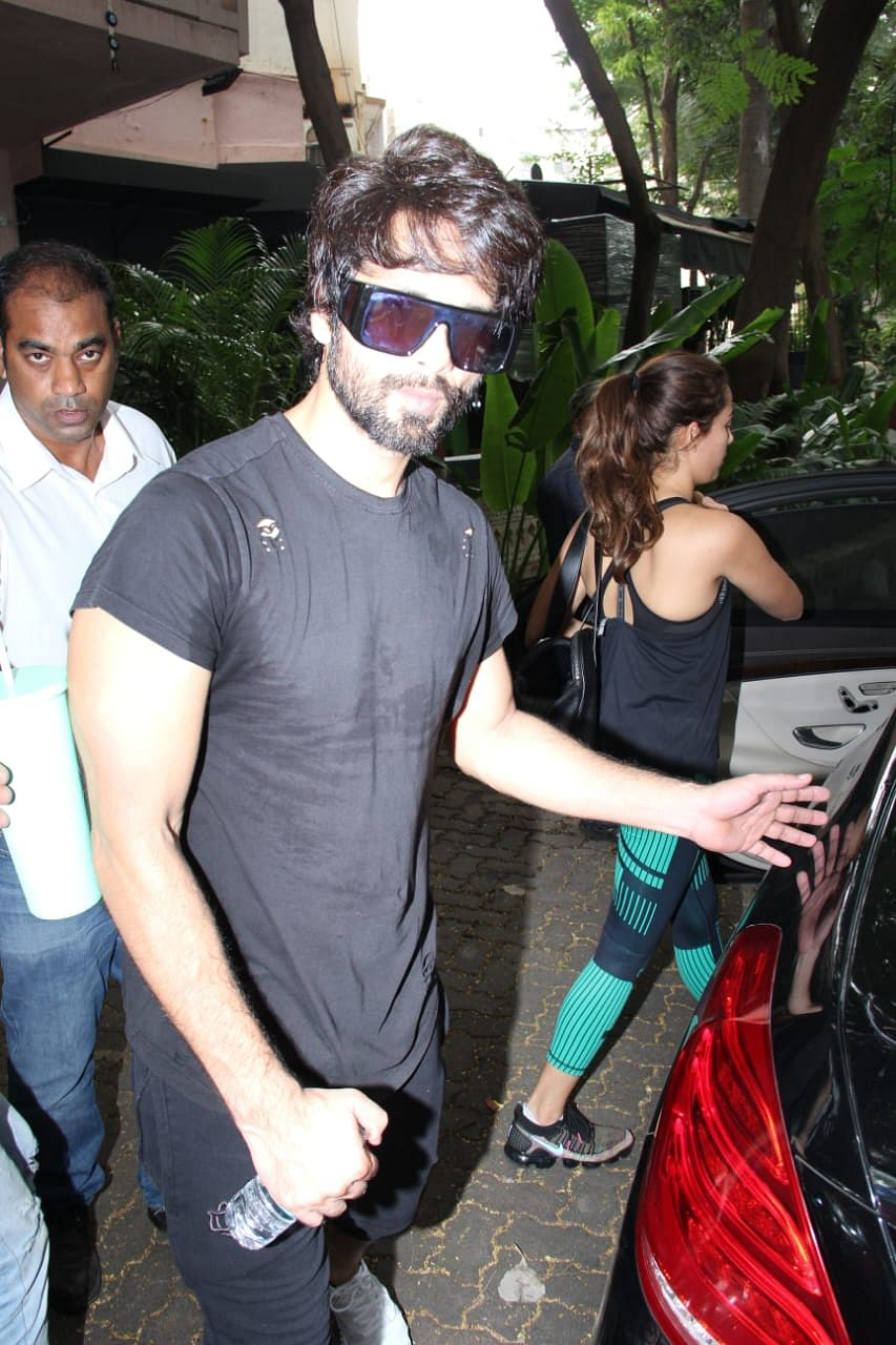 Shahid Kapoor's ginormous sunglasses prove he's got some swag