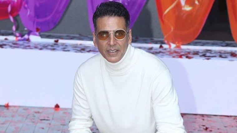 Akshay Kumar shoots promotional song for 'Good Newwz' despite injury and fever