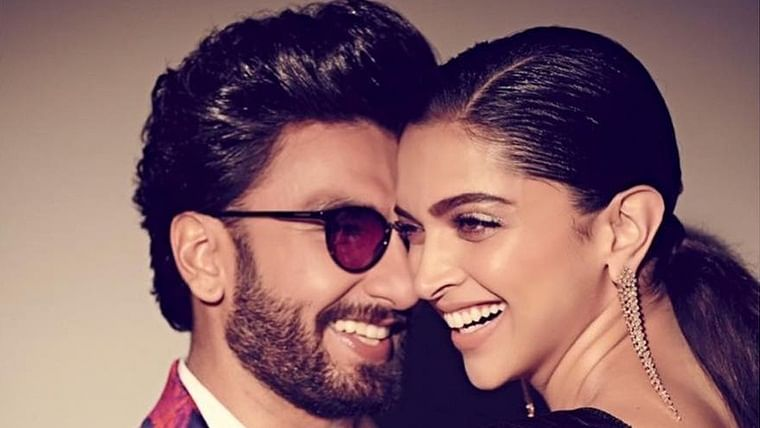 Happy Anniversary DeepVeer: Throwback to Ranveer Singh's heart-warming acceptance speeches