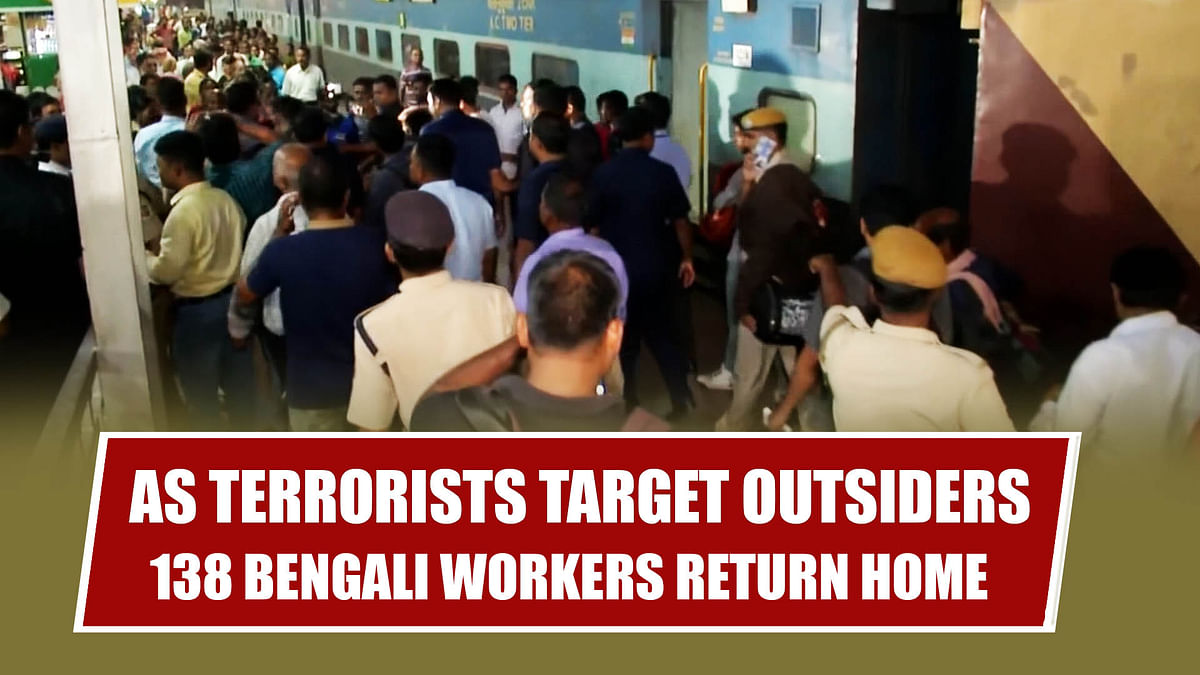 As Terrorists Target Outsiders, 138 Bengali Workers Return Home From Kashmir