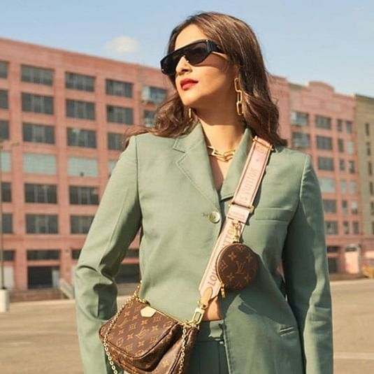 Sonam Kapoor's boss lady look costs more than Rs 2.5 lakh!