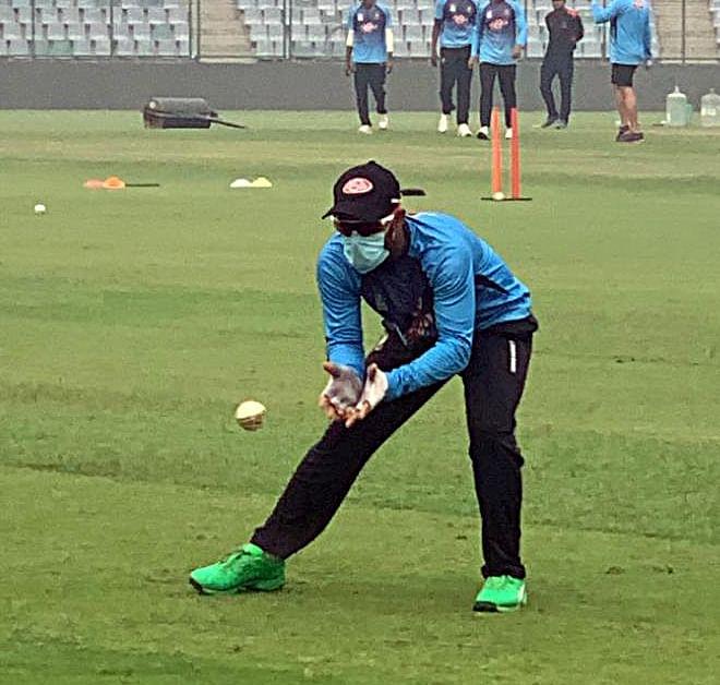 Watch Video: Bangladesh players wear masks to battle Delhi's pollution