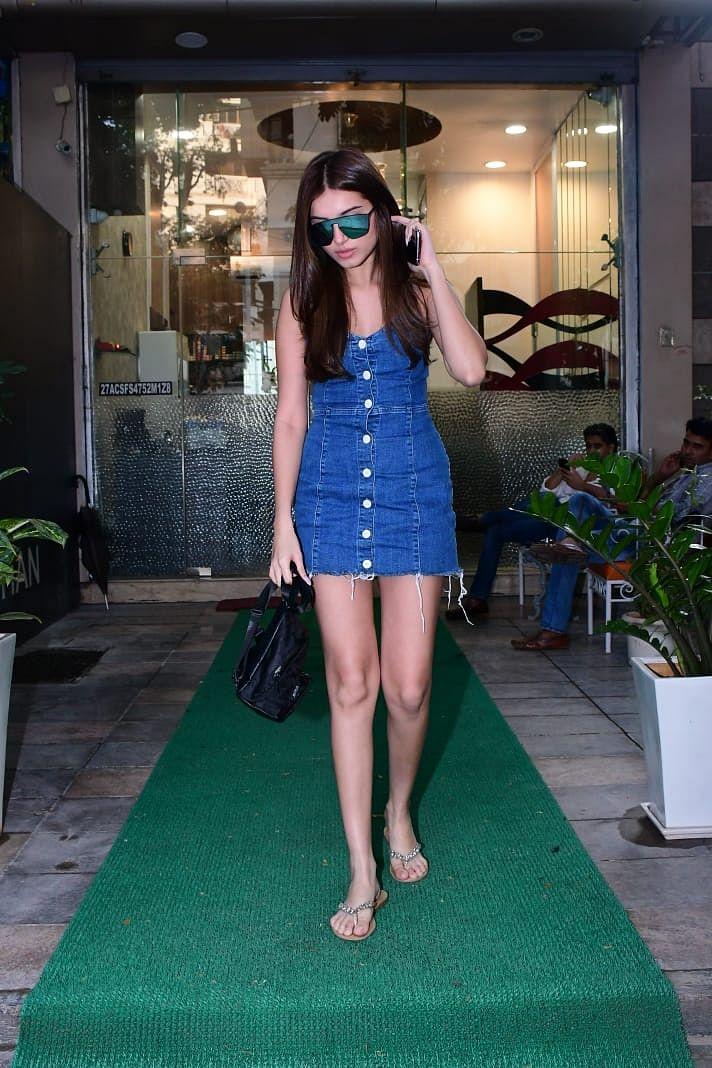 Tara Sutaria's cute denim dress makes for a perfect brunch date outfit
