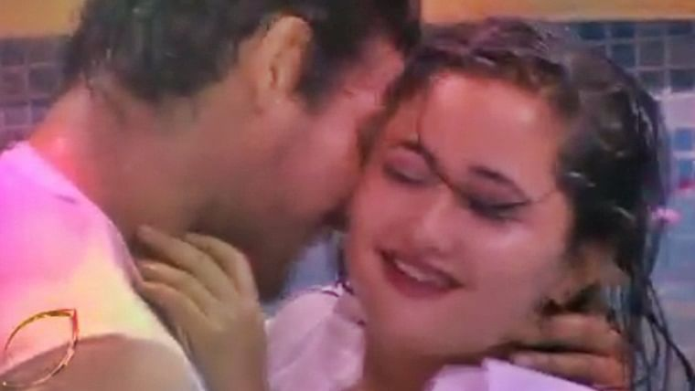 Bigg Boss 13: Siddharth Shukla almost kisses Rashami Desai on her lips!